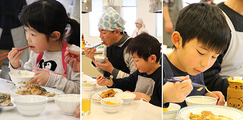 試食する参加者たち
